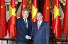 Le chef du gouvernement vietnamien reçoit le vice-Premier ministre chinois Hu Chunhua