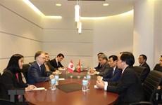 Développement des relations entre le Canada et le Vietnam