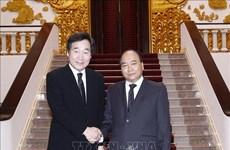 Entrevue entre le PM Nguyen Xuan Phuc et son homologue sud-coréen Lee Nak-yeon