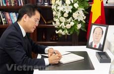 Cérémonies en mémoire du président Tran Dai Quang dans plusieurs pays