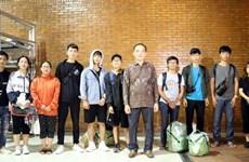 Séisme et tsunami en Indonésie : les 10 étudiants vietnamiens bloqués à Palu emmenés à Jakarta