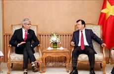 Encouragement à la coopération entre entreprises vietnamiennes et françaises