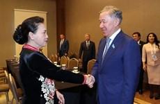 La présidente de l'AN rencontre le président de la Chambre des représentants du Kazakhstan