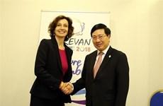 Francophonie : le Vietnam resserre les relations avec des pays membres