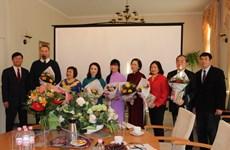 La Journée des enseignants du Vietnam célébrée en Allemagne et au Cambodge