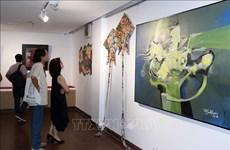 """Exposition d'art """"Le pont"""" à Da Nang"""