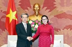 La présidente de l'AN Nguyen Thi Kim Ngan reçoit l'ambassadeur de Chine au Vietnam