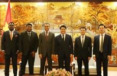 Des groupes et entreprises malaisiens veulent investir à Hanoï