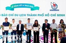 Tourisme : deux journalistes de la VNA reçoivent des prix de Ho Chi Minh-Ville