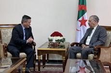 Le président du Conseil de la nation de l'Algérie veut promouvoir la coopération avec le Vietnam