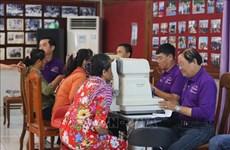 Des examens ophtalmologiques gratuits aux personnes cambodgiennes
