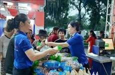 La foire de produits agricoles et alimentaires pour le Têt à Hanoï