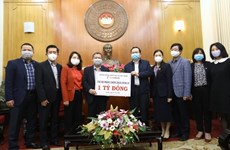 Remise des aides au ministère de la Santé pour lutter contre la pandémie de COVID-19