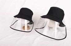 COVID-19: Quand boutiques et labels de mode se réorientent vers le matériel anti-épidémique