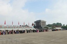 Célébration du 130e anniversaire du Président Ho Chi Minh