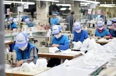 COVID-19: L'industrie du textile-habillement du Vietnam a perdu plus de 12.000 milliards de dôngs