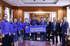 Intempéries : les jeunes laotiens au chevet des victimes du Centre du Vietnam
