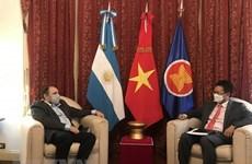 Promotion de la coopération entre la Radio Nacional Argentina et la Voix du Vietnam