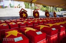 Kien Giang : Inhumation des restes de 262 soldats tombés au Cambodge