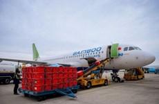 Bamboo Airways soutient le transport de matériel et de personnel médicaux pour Hai Duong