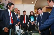 Ho Chi Minh-Ville distingue des personnes de la diaspora exemplaires
