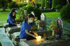 Offre d'encens aux Héros morts pour la Patrie à Dien Bien