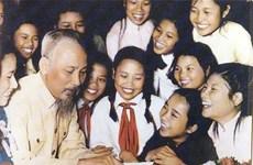 Publication d'un livre sur le Président Ho Chi Minh