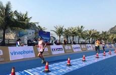 Près de 2.000 coureurs participent au marathon international du patrimoine de la baie de Ha Long