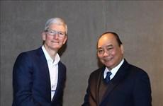 Le Premier ministre vietnamien recoit les dirigeants de groupes de premier rang mondial