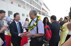 Le port international d'Ha Long accueille une croisière six étoiles