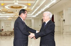 Entrevue entre Nguyen Phu Trong et Samdech Techo Hun Sen