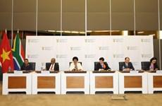 Afrique du Sud-Vietnam devraient développer leurs relations commerciales de manière plus pratique