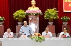 Pour le 13e Congrès national du Parti : réunion avec les localités du delta du Mékong