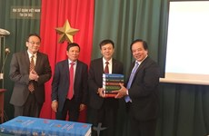 Lancement de l'ensemble du grand dictionnaire tchèque-vietnamien