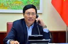 Conversation téléphonique entre le vice-PM Pham Binh Minh et le ministre philippin des AE