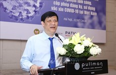 Le Vietnam accélère la recherche et la production du vaccin contre le COVID-19