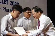 Remise de bourses Vallet à des élèves à Binh Dinh, Phu Yen et Gia Lai