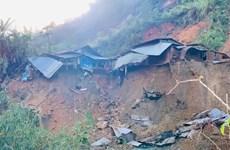 Quang Nam : un autre glissement de terrain enseveli 11 personnes dans le district de Phuoc Son