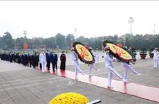 90 ans de la fondation du CC du FPV : hommage des hauts dirigeants au Président Hô Chi Minh
