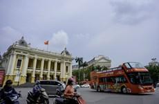 Découvrir Hanoï à partir des bus à impériale