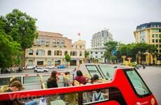 Un Hanoï différent à bord de bus à deux étages