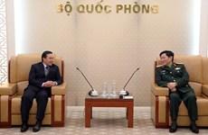 Le général Ngo Xuan Lich reçoit l'ambassadeur du Laos au Vietnam