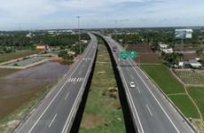 Long An mobilise 30.000 milliards de dongs pour investir dans les infrastructures de transport