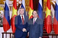 Le PM Nguyen Xuan Phuc reçoit le président de la Douma d'Etat de Russie