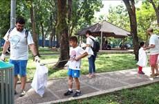 « Journée de balayer des déchets plastiques » à Ho Chi Minh-Ville