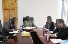 Le Vietnam et la Gambie resserrent leur coopération économique et commerciale