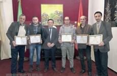 Satisfecit aux producteurs de films et journalistes algériens
