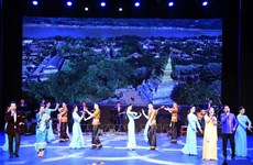 L'ouverture de la Semaine de la culture vietnamienne au Laos