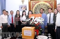 Des dirigeants présentent leurs vœux de Noël aux catholiques de HCM-Ville et de Khanh Hoa