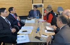 Le vice-ministre permanent des AE Bui Thanh Son en visite de travail au Parlement européen